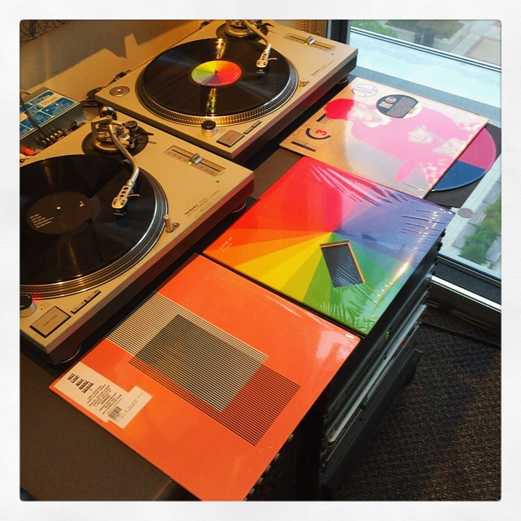 In Living Colour: Hot Chip, Jamie XX, ECT Vol. 3 (Medical Records).
